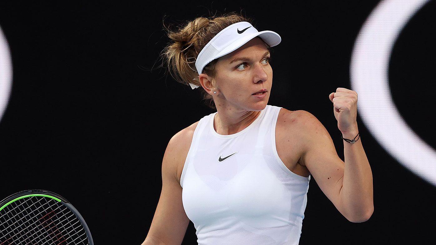 Simona Halep tem dificuldades, cai, machuca o punho, mas vence estreia no Australian Open