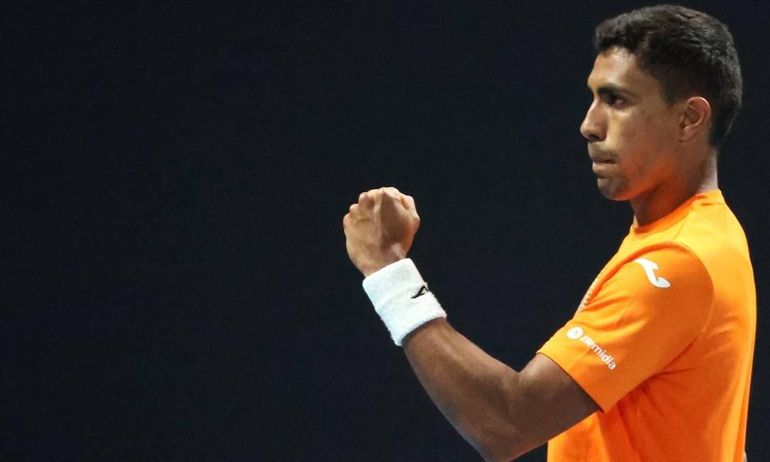 Thiago Monteiro joga quatro tiebreaks, mas é eliminado na estreia do Australian Open