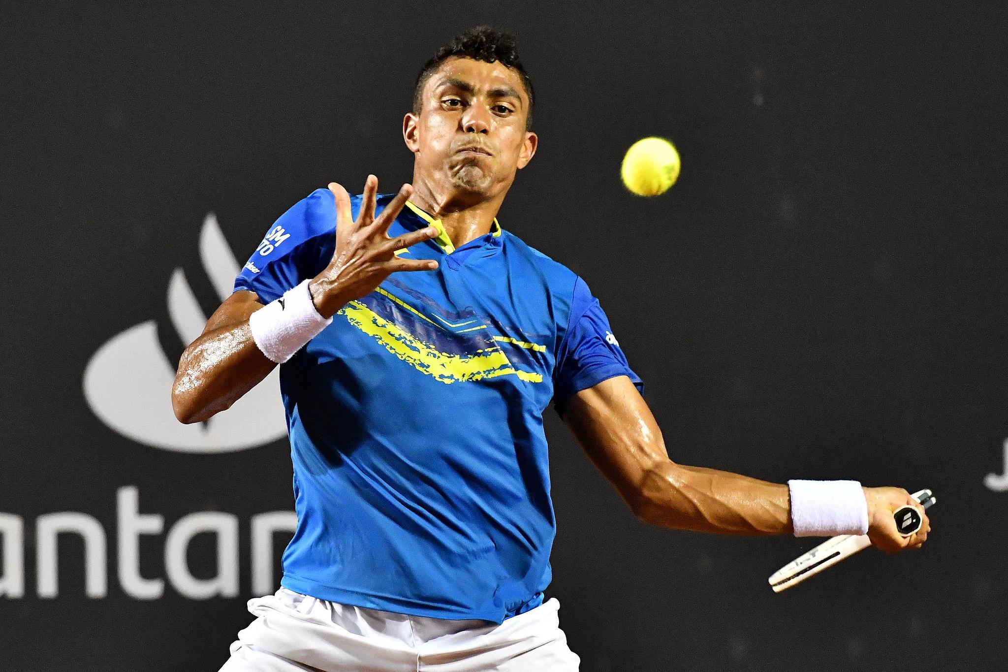 Thiago Monteiro brilha, elimina Borna Coric e faz quartas no ATP de Buenos Aires