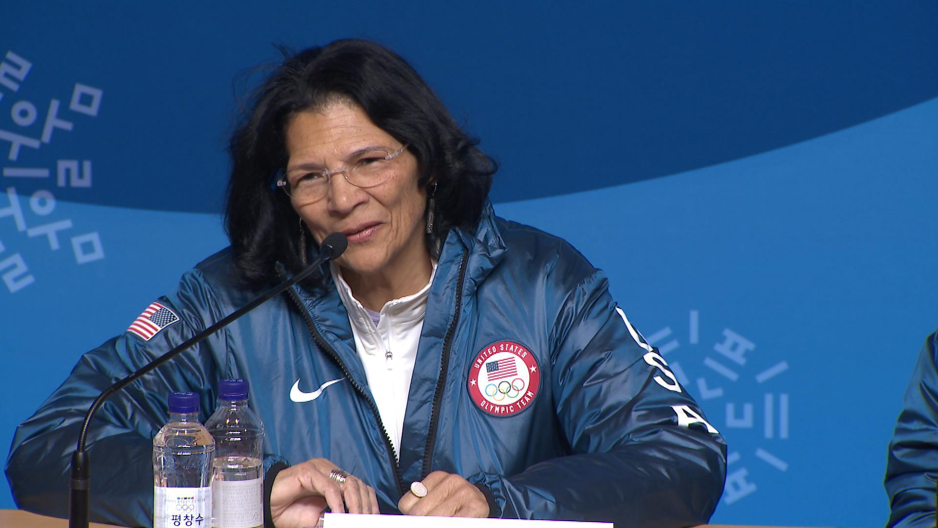Vice-presidente do COI, Anita DeFrantz diz que entidade ainda não decidiu o futuro de Tóquio 2020
