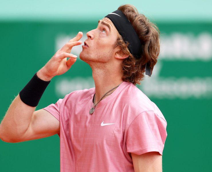 Andrey Rublev ultrapassa Roger Federer e atinge ranking histórico