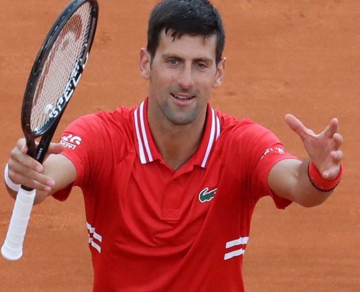 Em jogo atípico, Djokovic cai para top 40 e perde a primeira do ano