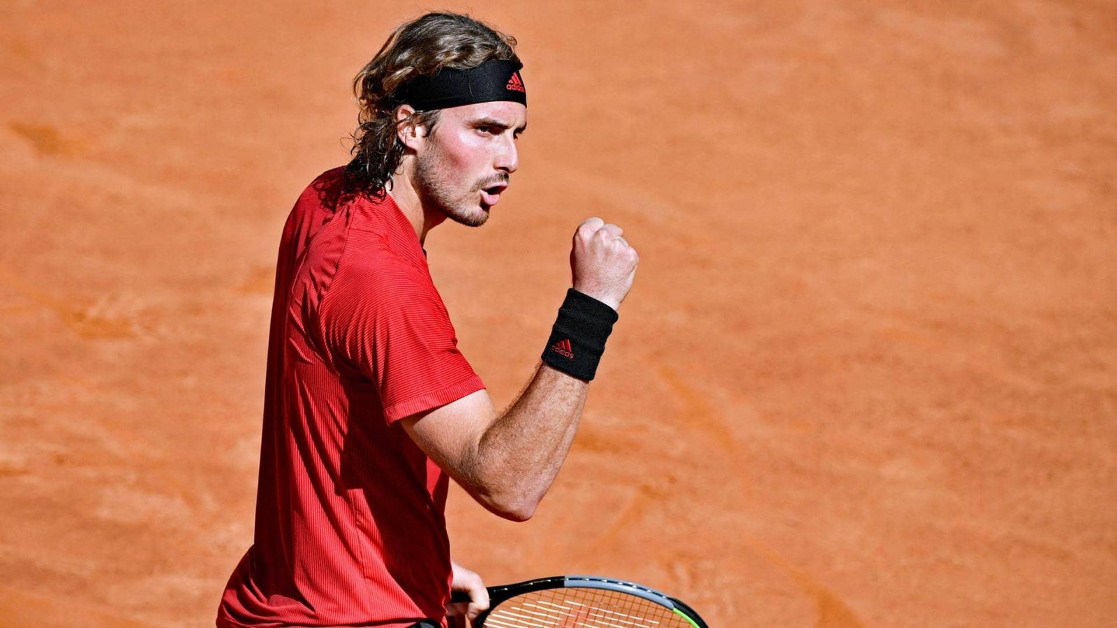 Stefanos Tsitsipas passa tranquilo por estreia no ATP 250 de Lyon