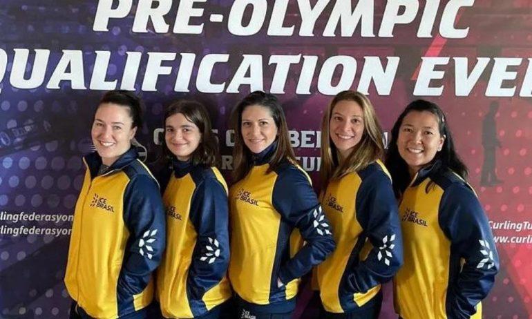 Curling: Seleção feminina perde para Eslováquia e se complica em classificatório para o pré-olímpico